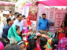 Guests_are_visiting_the_Education__Fair_Stalls