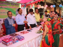 Prize_giving_ceremony_in_the__Education_Fair